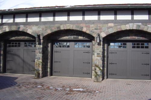 legacy_garage_doors_kelowna_custom_wood_custom_heritage