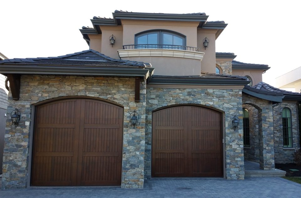 legacy_garage_doors_kelowna_custom_wood_custom_i