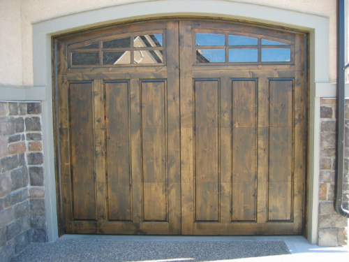 legacy_garage_doors_kelowna_custom_wood_estate_series_600