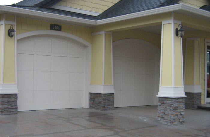 legacy_garage_doors_kelowna_example-custom-101-ar
